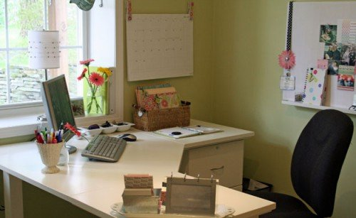Aby's organized office