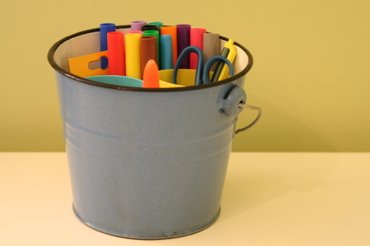 Bucket_of_craft_supplies